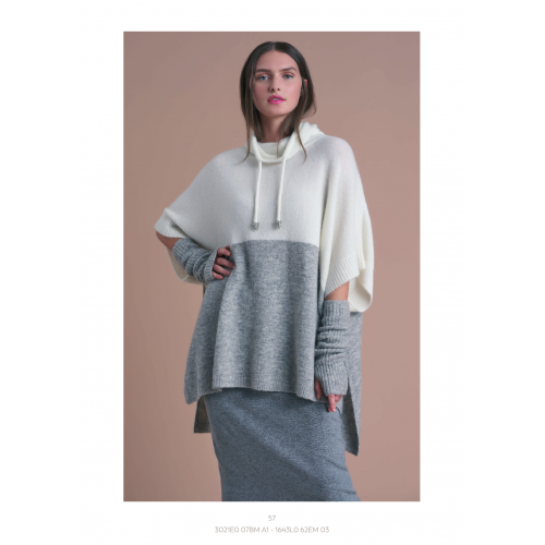 Knitted Blouse White Gray