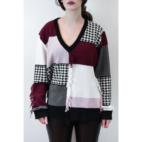 Sweater with V-Neckline and Fringes